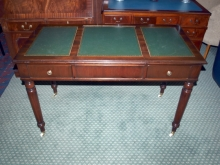 DTD06LI Leather Inlaid Mahogany Desk with Flip Lid Vanity Mirror