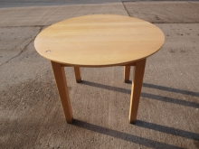 LR004RT  Round Restaurant Table in Light Wood