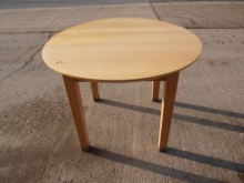 LW02RT  Round Light Wood Restaurant Table