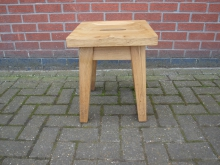 SST11 Solid Oak Stool