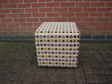 PGGC2 Cube Seat with Spotted Fabric