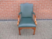 GLCC2 Carver Chair in Green Leather