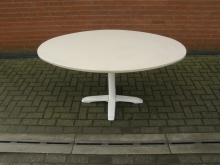 VLTV1 Oval Table with Vinyl Covered Top. 147cm x 90cm Top