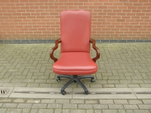 SWRF10 Swivel Office Chair in Red Faux Leather