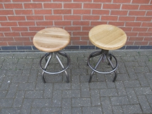 WGSV24 Swivel Stool With Wooden Top