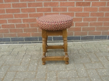 LBPS29 Low Bar Stool with Patterned Seat