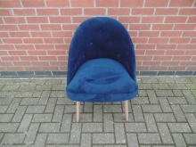 BVTB1 Blue Velvet Tub Style Chair with Button Back